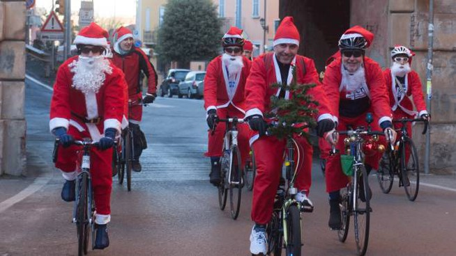 Tutti in bici fino a San Luca (Foto Schicchi)