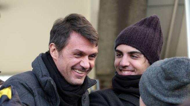 Paolo  e Christian Maldini (20 anni) ieri  in tribuna allo stadio Breda
