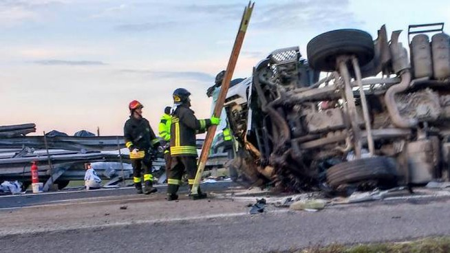 Incidente in autostrada (Foto di repertorio Torres)