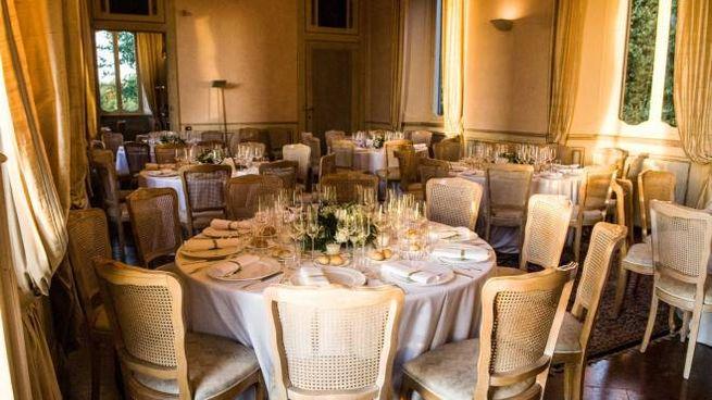 Tavoli in un ristorante di lusso