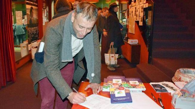 Ivan Cotroneo firma la petizione