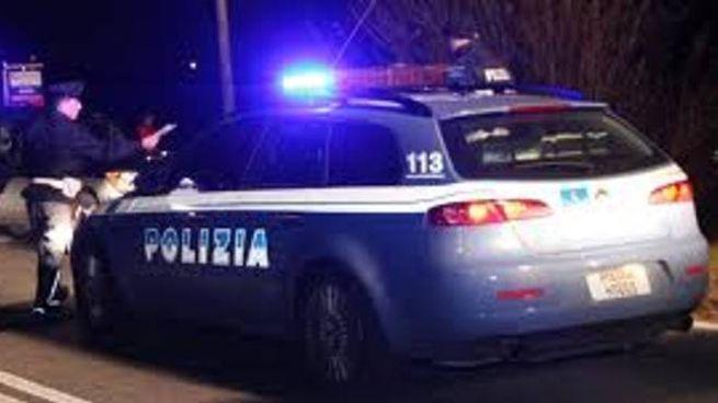 La polizia stradale in autostrada