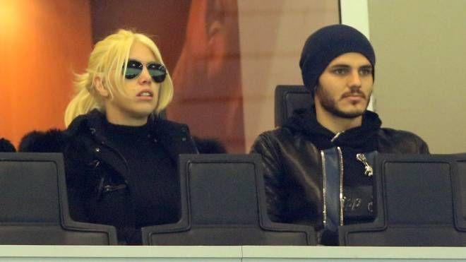 Wanda Nara e Mauro Icardi in tribuna a San Siro (Newpress)