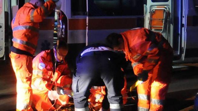 Un'ambulanza con i soccorsi (Studiosally)