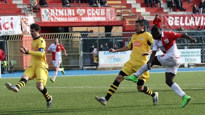 Rimini-Massa Lombarda, secondo gol in campionato per Adboul Razack (foto Petrangeli)