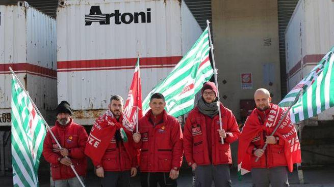 Un protesta dei lavoratori del gruppo Artoni