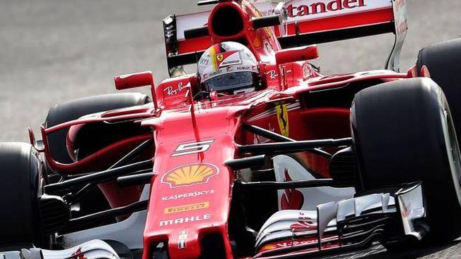 La nuova Ferrari di Vettel ha ben impressionato  in questi primi test (Afp)