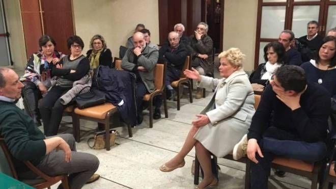 Una delle fotografie postate su Facebook dal sindaco Tommaso Corvatta con la scritta «lista work in progress»