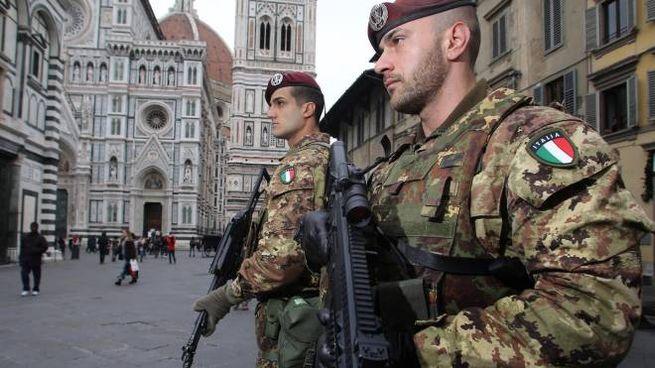 Sicurezza, pattuglie antiterrorismo in centro a Firenze