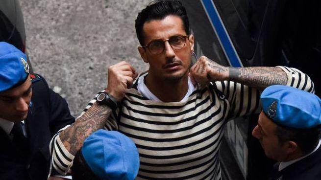 Fabrizio Corona al Tribunale di Milano (LaPresse)