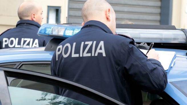 POLIZIA Cinque pistola da guerra in casa: arrestata 80enne