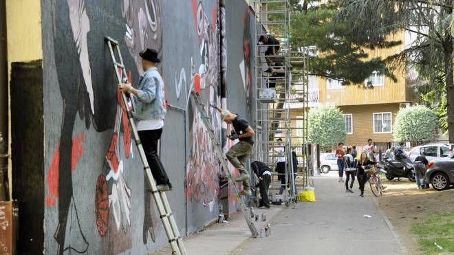 Gli artisti moderni all'opera insieme