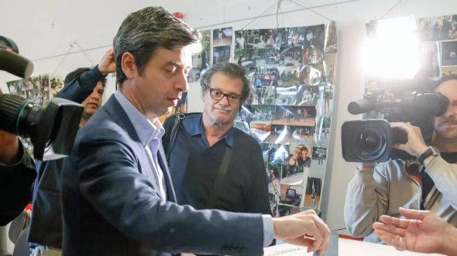 Orlando al voto alla Spezia (foto Frascatore)