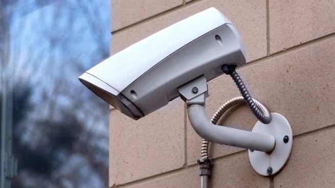 Sicurezza, una telecamera (foto Dire)