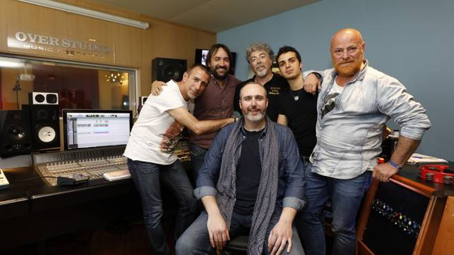 Il tenore Cremonini e il gruppo 'DALLABANDA' in studio