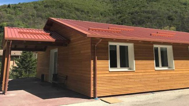 Terremoto, una casetta destinata ai terremotati (foto Ansa)