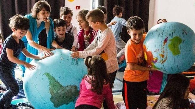 Una delle iniziative realizzate con i bambini nell'ambito della manifestazione Un Prato di libri (foto Angela Bartoletti)