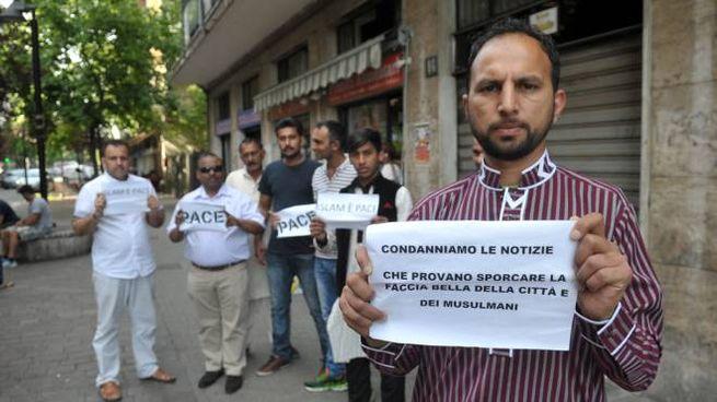 Al Satellite la manifestazione per la pace di un gruppo di musulmani