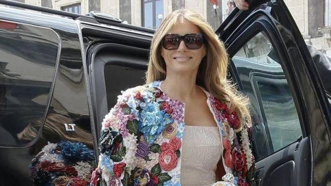 Melania Trump con la giacca di Dolce & Gabbana (Ansa)