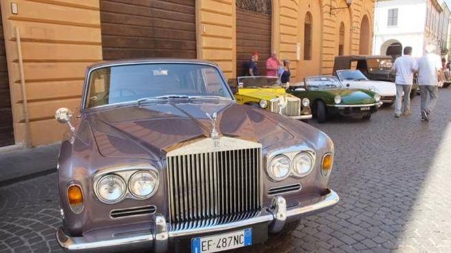 Auto d'epoca in mostra a Guastalla