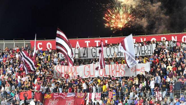 I tifosi del Livorno in Curva Nord