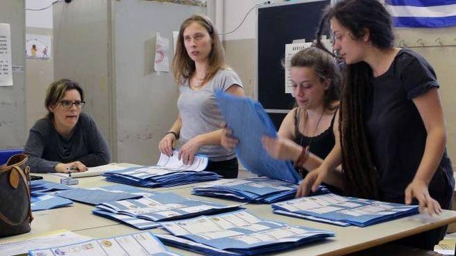AI SEGGI Domenica prossima i cittadini esprimono le preferenze  per eleggere la prima poltrona del Municipio (Torres)