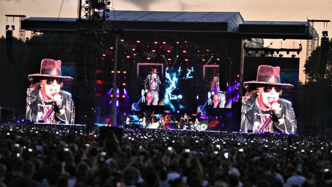 Guns N' Roses a Imola, il gruppo conquista l'Autodromo