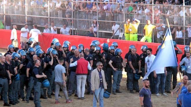 La polizia in campo nell'edizione 2017 (Umberto Visintini / New Press Photo)