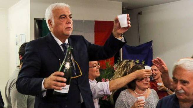 Il brindisi del sindaco (Fotocronache Germogli)