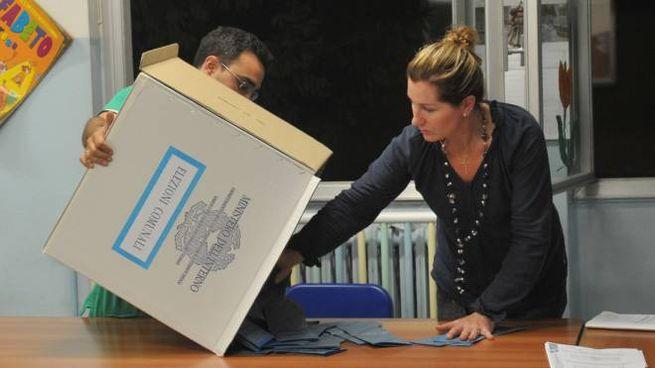 Elezioni comunali 2017, scrutini a rilento (Newpress)