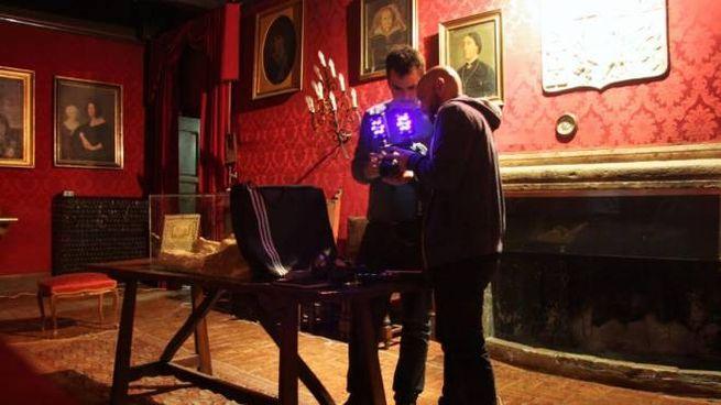 I ghosthunters nella Sala degli Antenati del castello di Fumone