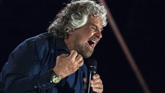 Beppe Grillo durante la campagna elettorale per le elezioni comunali (Olycom)