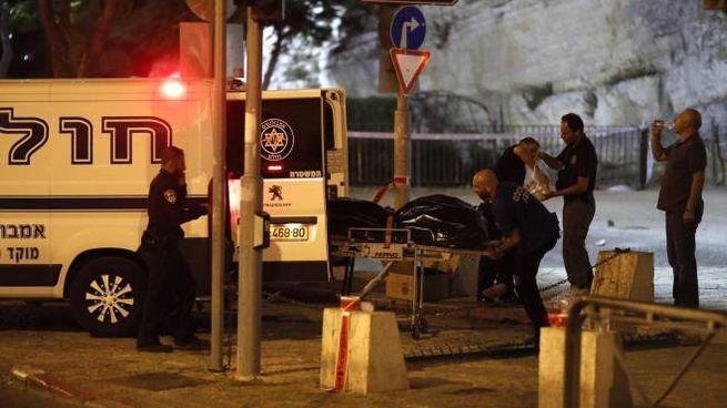 Gerusalemme, Isis e Hamas rivendicano l'attacco vicino alla porta di Damasco (Ansa)