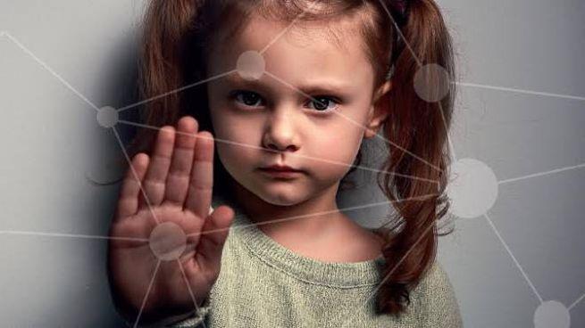 Stop agli abusi sui bambini