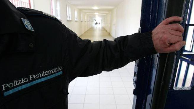 Polizia penitenziaria in carcere (foto di repertorio Ansa)