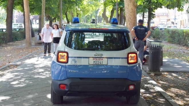 Polizia a Pavia (Torres)