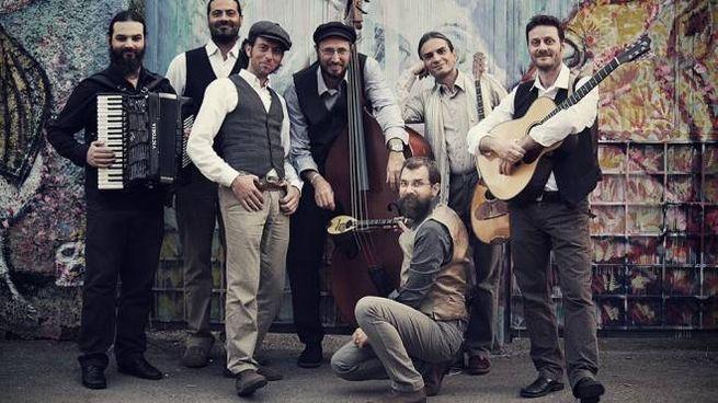 Oreno, la band italo-greca di rebetiko degli Evi Evan
