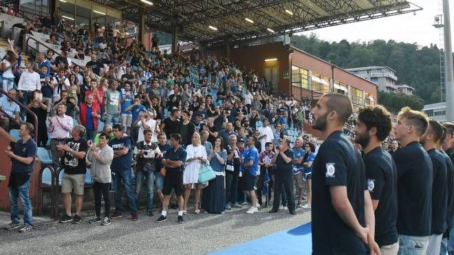 Tifosi del Como allo stadio