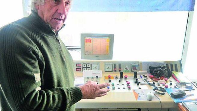 Sergio Ceccarelli sul «ponte di comando» della funivia Cutigliano-Doganaccia Sergio Ceccarelli sul «ponte di comando» della funivia Cutigliano-Doganaccia