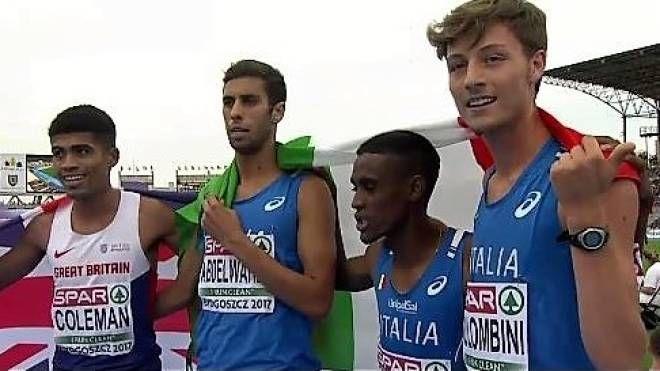 Ahmed Abdelwahed è il secondo da destra