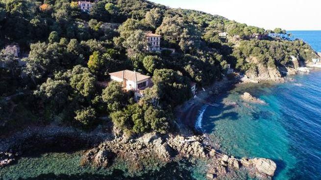 La villa da sogno in vendita all'Elba (ph. Lionard Luxury Real Estate)