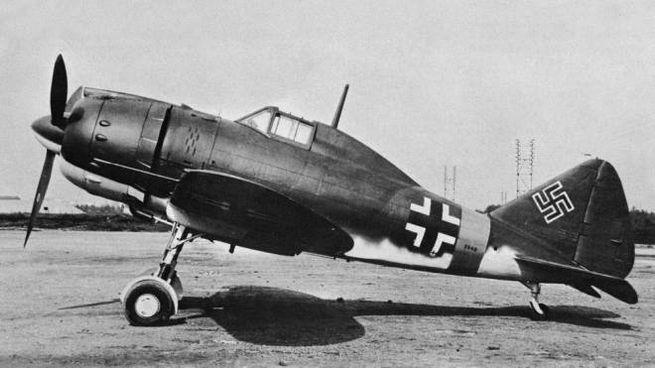 L'aereo delle Reggiane con le insegne tedesche