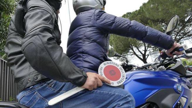 """I """"falchi"""" della polizia in moto (foto archivio)"""