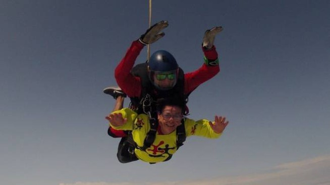 Nonna Volante In Paracadute A 70 Anni Si Lancia Col Nipote Per Il