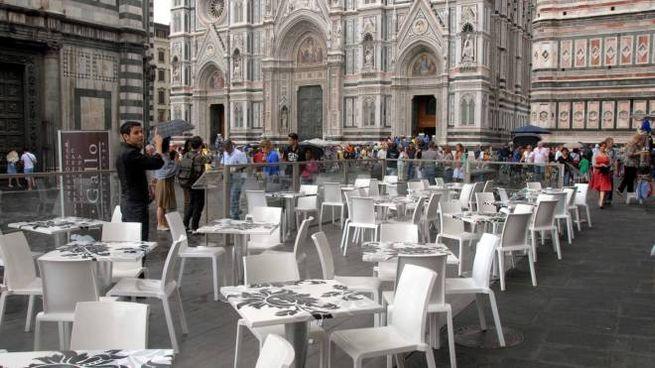 I dehors in piazza Duomo sono al centro delle polemiche (New Press Photo)