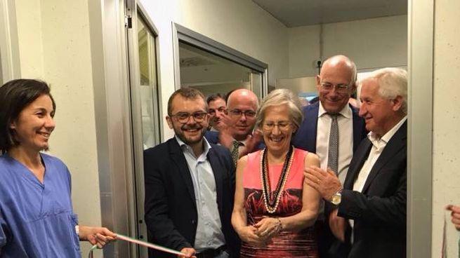 L'inaugurazione della nuova Blud nel reparto di Terapia intensiva neonatale