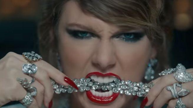 Nella Vasca Da Bagno Del Tempo Youtube.Taylor Swift Il Nuovo Singolo Contro Kim Kardashian Magazine