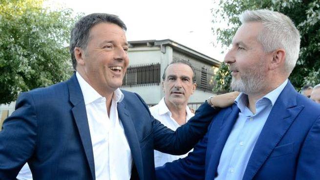 Matteo Renzi saluta l'ex sindaco di Lodi Lorenzo Guerini oggi  suo braccio destro (Cavalleri)