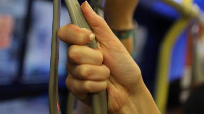 Molestie sul bus (immagine di repertorio)