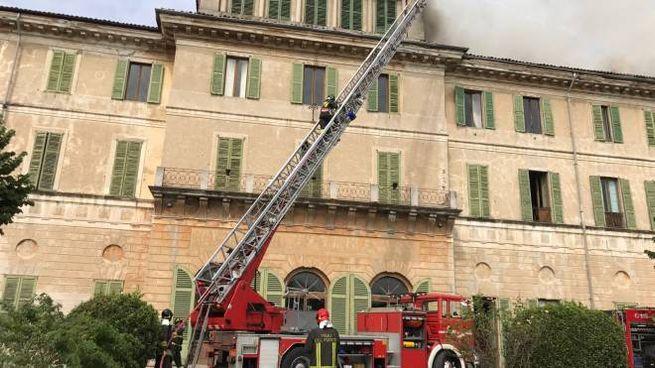 I pompieri a Villa Traversi